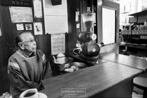 Anziana proprietaria di un Kissaten, Mercato di Tsukigji, Tokyo 2014